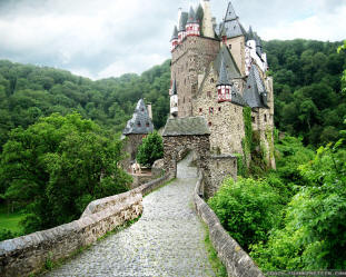 Eltz castle Germany driving tour